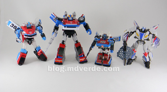 Transformers Smokescreen - Masterpiece - modo robot vs otros Smokescreen