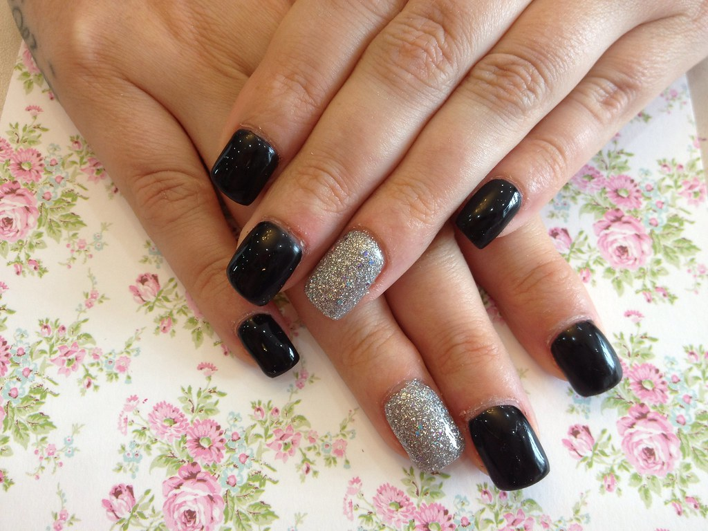 acrylic nails with black and silver gel polish | nic senior | flickr