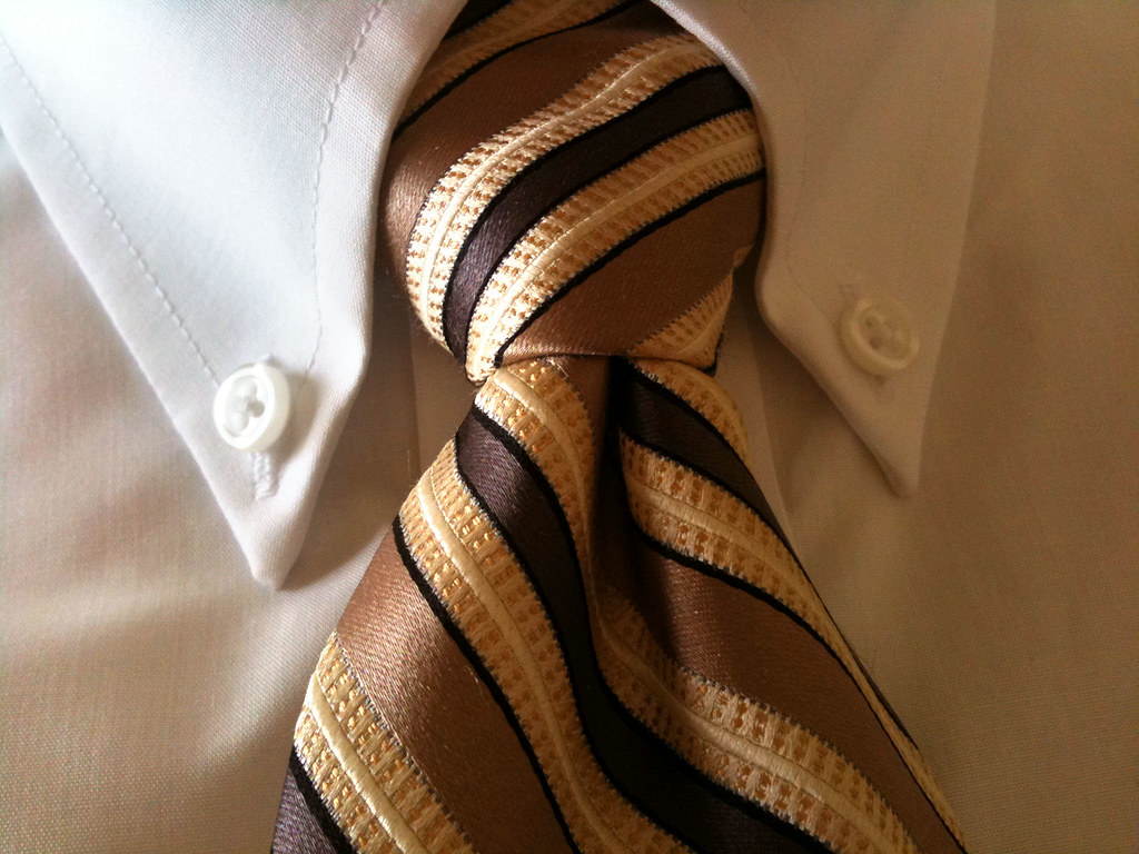 Half Windsor Knot My World Famous Tie Steam How To The Halfwindsor By Pipe Trunk Distribution Venue