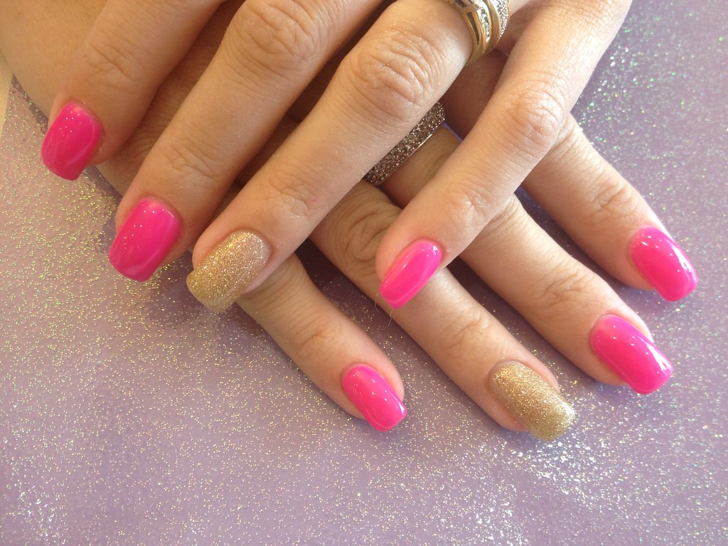 acrylic nails with pink gel polish and gold glitter ring f… | flickr