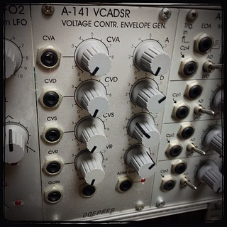 [Unyo303's weekly modular synth 03] Doepfer A-141 Voltage Controlled Envelope Generator ちなみに、このA-141は製造停止して、A-141-2へ仕様変更されてます。 | by unyo303
