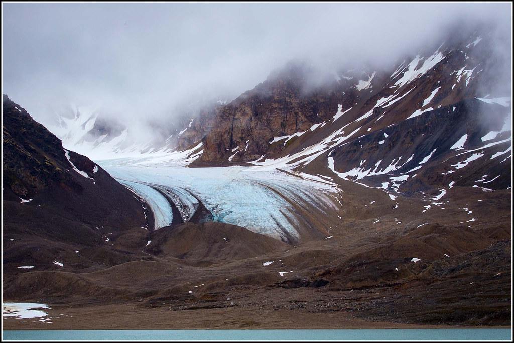 By Smudge 9000 A Glacier And Terminal Moraine At Tinayrebukta