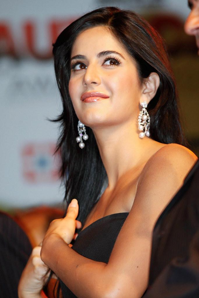 Hindi Actress Hd Wallpapers V 1 Hav Tposter Flickr