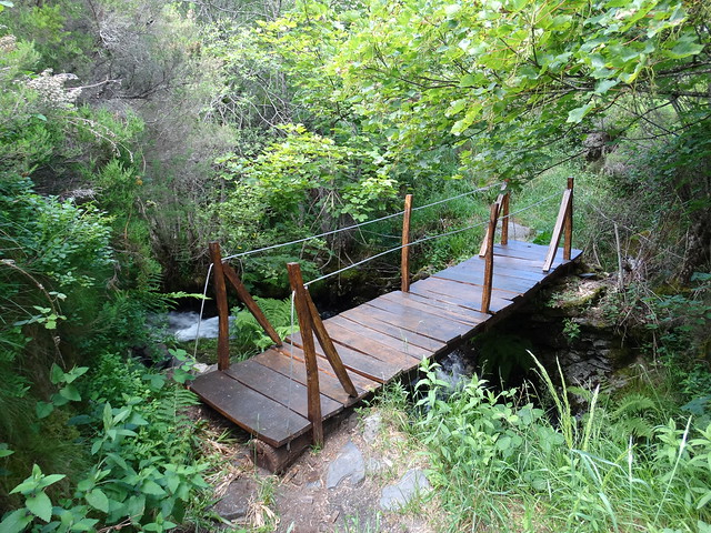 Puente en el PR-G 184 Ruta da Lagoa de Lucenza