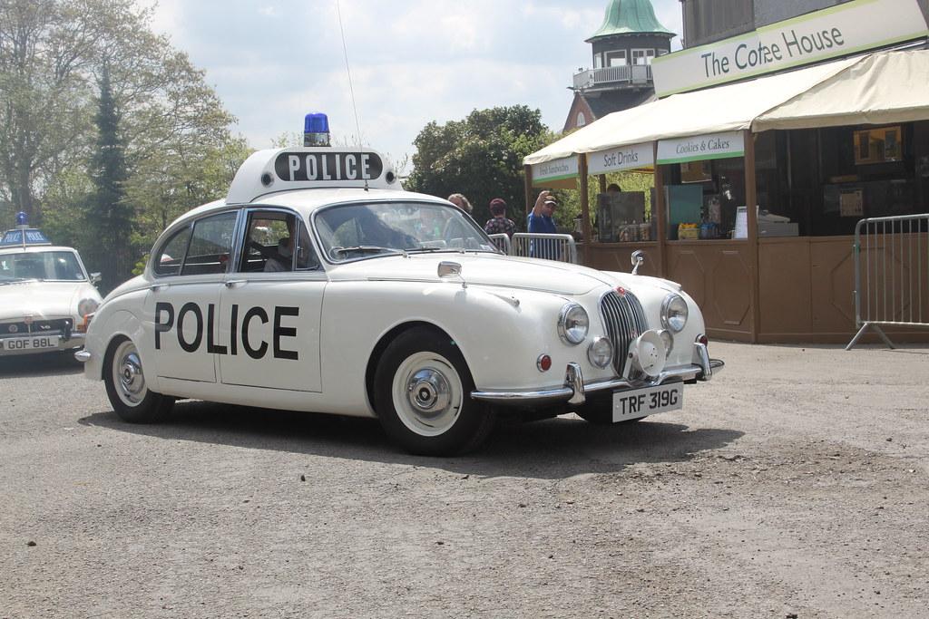 Jaguar mk2 police car