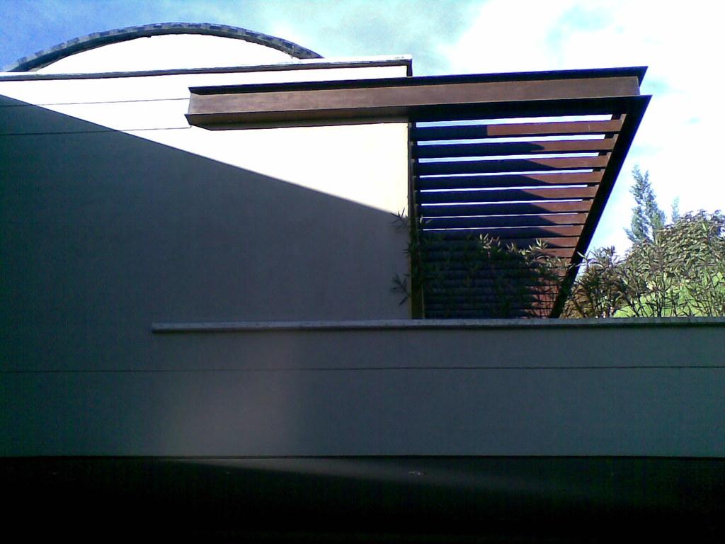 pergola metalica casa 13 cedro verde 1 by spazio10 - Pergola Metalica