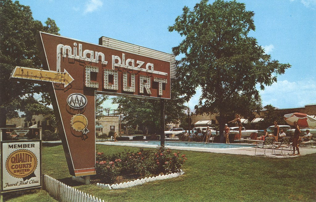 Milan Plaza Court - Milan, Tennessee