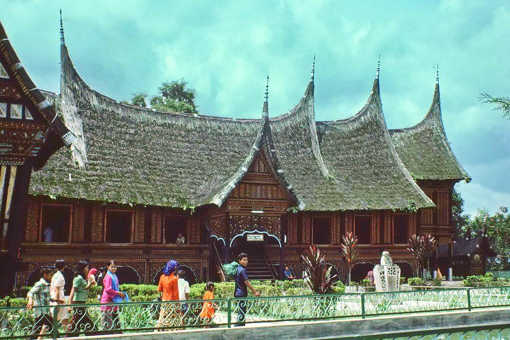 Minang Traditional House Rumah Adat Baanjuang Bukitting Flickr