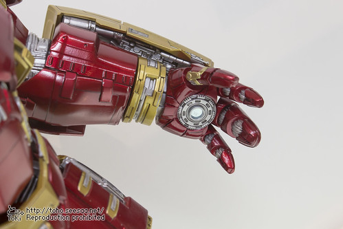 MEDICOM_TOY_20th_iron-16
