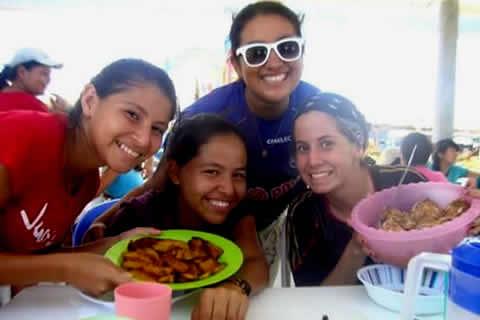 con Jazmina y otras chicas