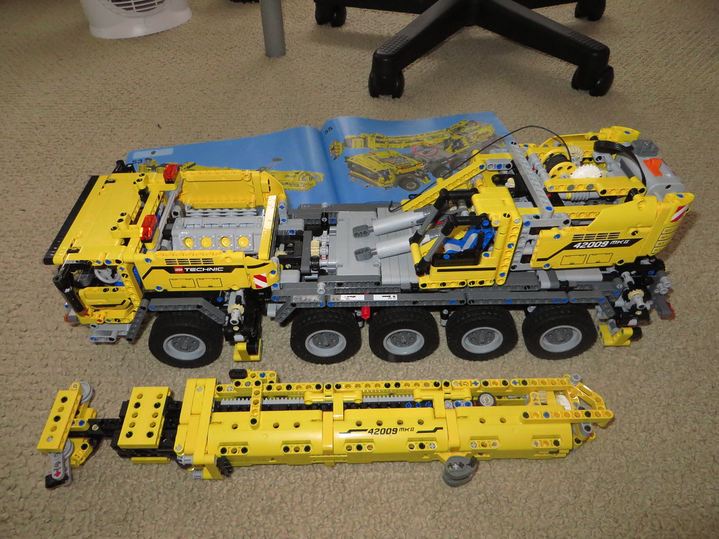 Lego Technic 42009 Mobile Crane Mkii Ryan Smith Flickr
