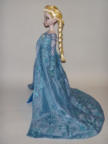 Singing Elsa 17 Doll Dressed In Le 100 Elsa S Outfit S