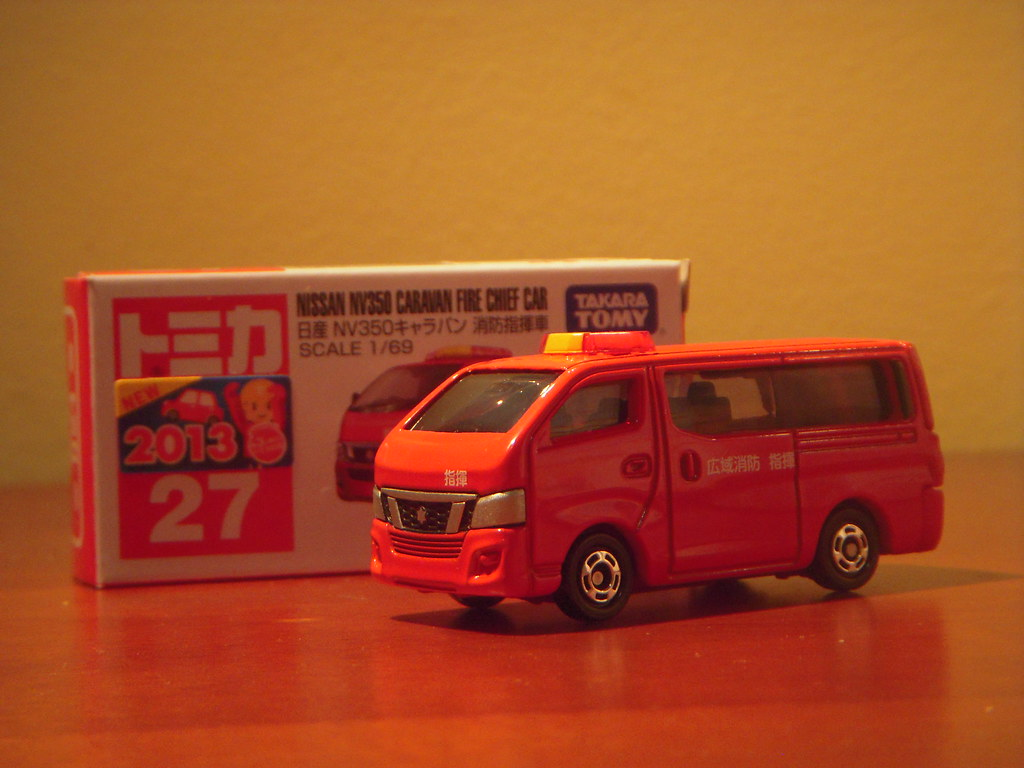 Nissan Nv350 Caravan Fire Chief Car 1 69 Diecast By Tomica Flickr