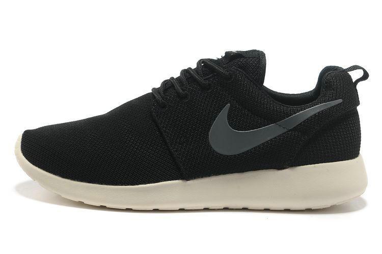 e5c4f8117dd6 ... chaussures nike roshe run id femme noir blanc gris logo  www.larosherun.com