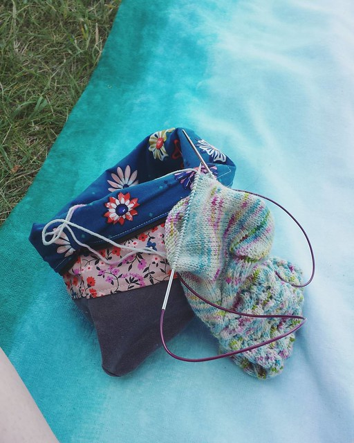 squeezed in some sock knitting at the beach before a downpour, still got ice cream though 😜🍦#socktawk #knittersofinstagram #craftastherapy #manosdeluruguay