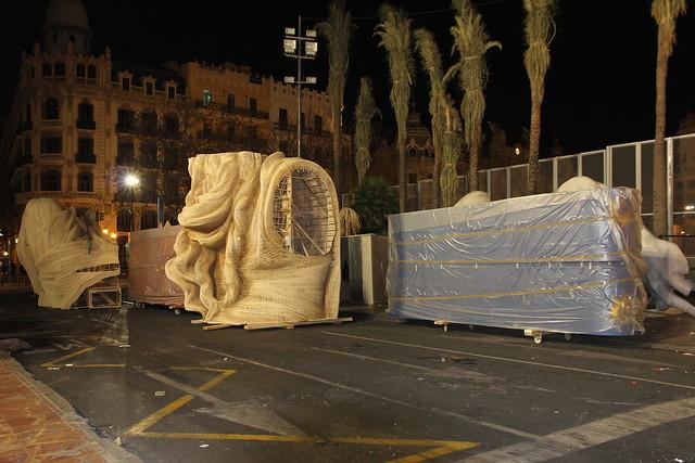 Plantà 2014 - Falla Municipale de la plaza del Ayuntamiento