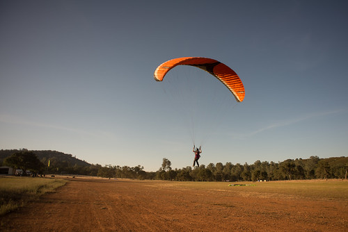 Tara Learning to Paraglide w/ Toe Rope | by goingslowly