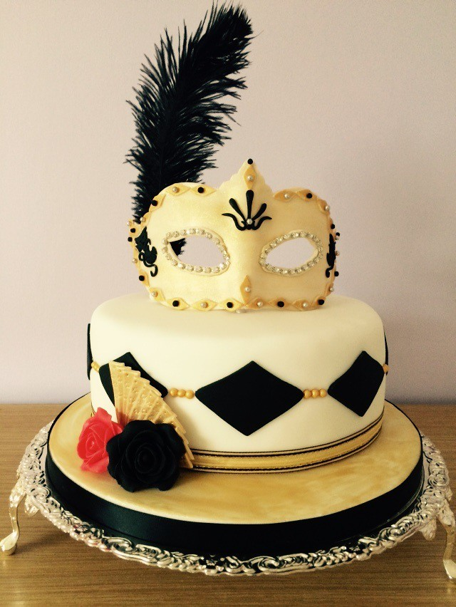 Black And White Masquerade Birthday Cake This Is A Birthda Flickr