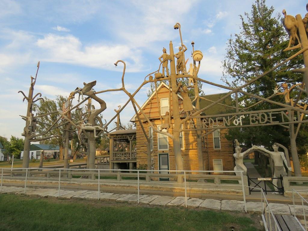 Dinsmoor\'s Garden of Eden #24   Lucas, Kansas is home to one…   Flickr