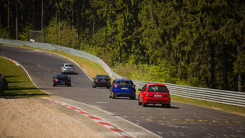 Ford Fiesta ST180 vs Clio RS 182 - 01 | by JDPhotoIDF