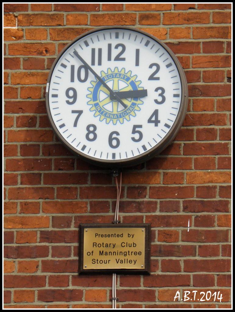 Rotary International Odd Clock. Manningtree | The clock in t… | Flickr
