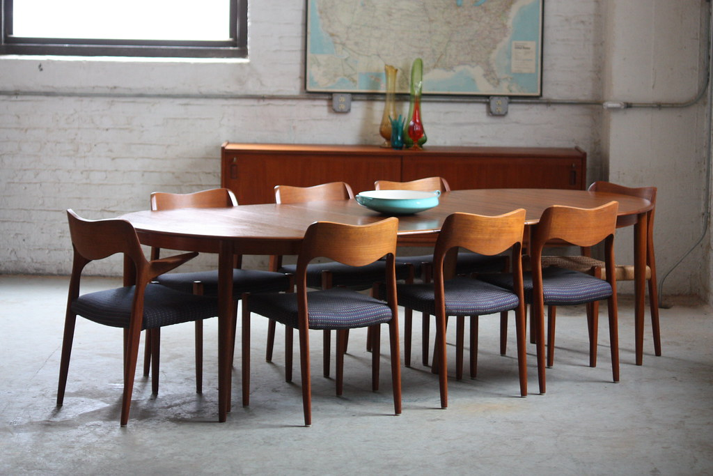Capable Danish Mid Century Modern Skovmand Andersen Expandable Teak  Dining Table for Moreddi  Denmark Capable Danish Mid Century Modern Skovmand Andersen Expand    Flickr. Mid Century Teak Dining Table And Chairs. Home Design Ideas