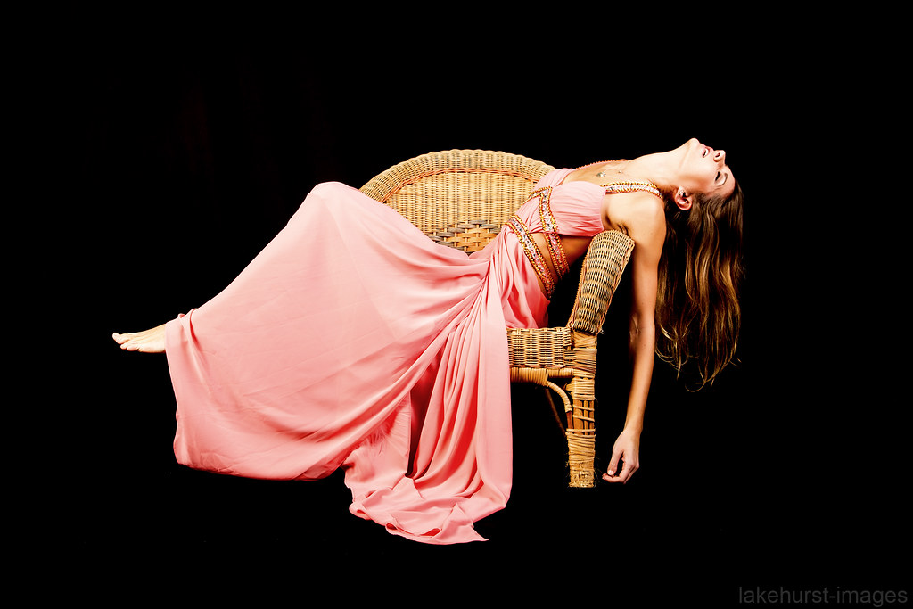 Superbe ... Chair Faint | By Lakehurst Images