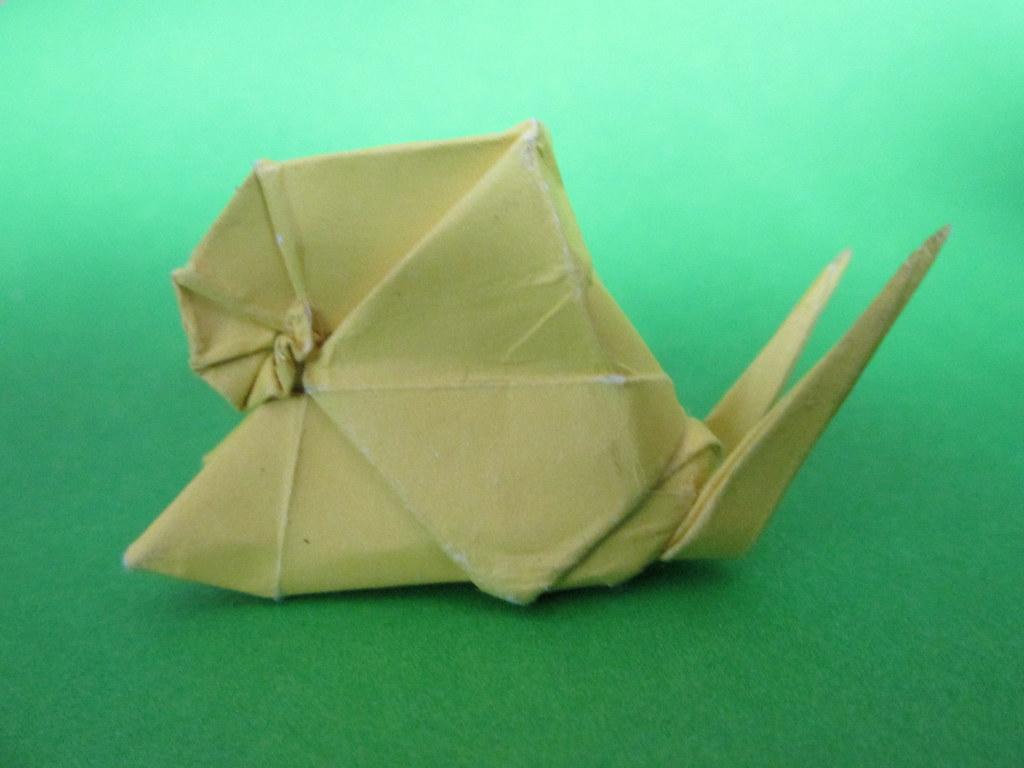 Origami Tutorial: Snail (Shiri Daniel) - YouTube | 768x1024