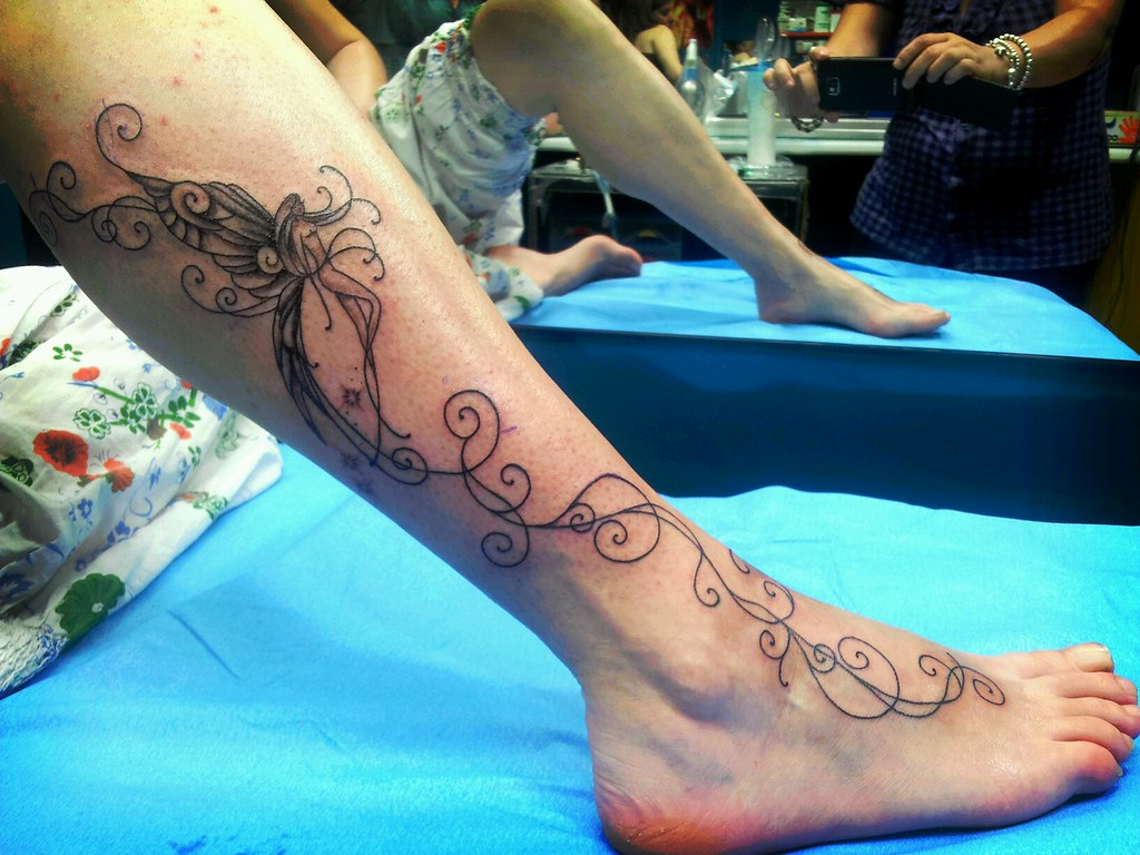 Enredaderas Tatuajes En El Pie tatuaje enredadera con hada | marga robles martín | flickr