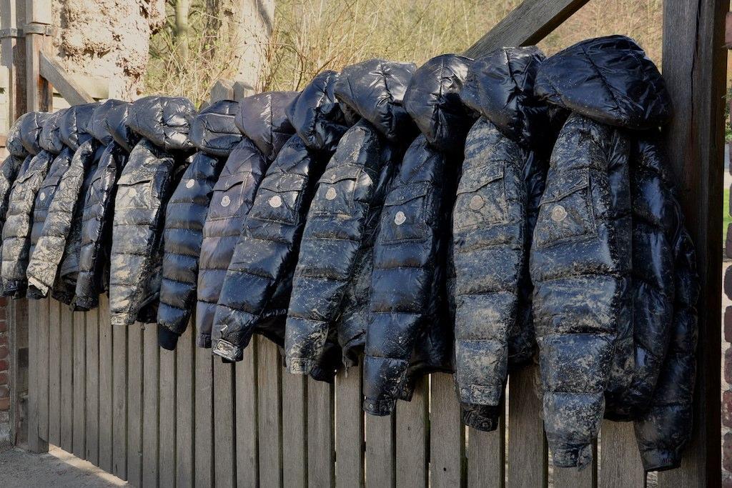 moncler maya noir