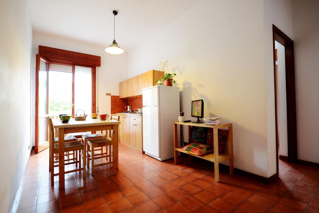 Soggiorno con angolo cucina | Appartamenti Antonelli | Flickr