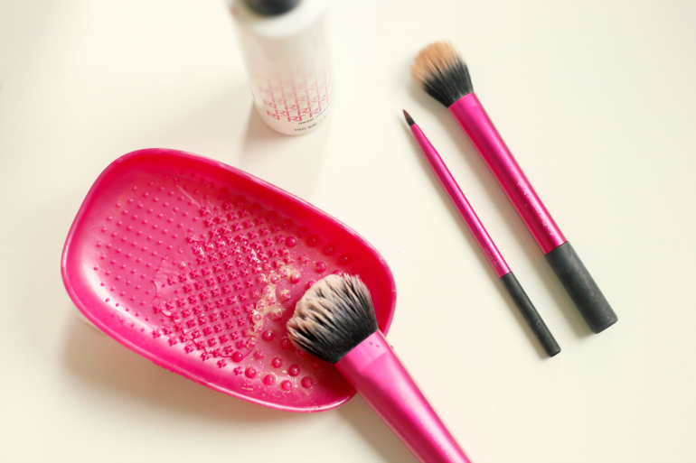Real Techniques Brush Cleansing Palette review, real techniques, real techniques brush cleansing palette nederland, brush cleaning, make-up kwasten wassen, make-up kwasten schoonmaken, real techniques brush cleansing gel, real techniques kwasten, real techniques nederland, beautyblog, fashion is a party, fashion blogger