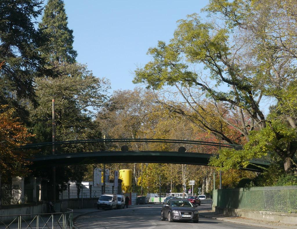 Toulouse, Haute-Garonne: passerelle entre le jardin des pl…   Flickr