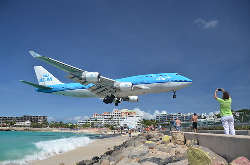 KLM landing at SXM, Maho Beach, St Maarten, Oct 2014 | by alljengi