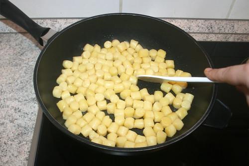 25 - Gnocchi anbraten / Fry gnocchi