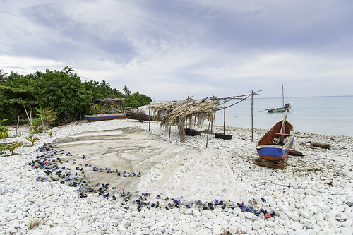 Fishing provides vital income in Haiti (Port Salut, South Department) | by UNEP Disasters & Conflicts