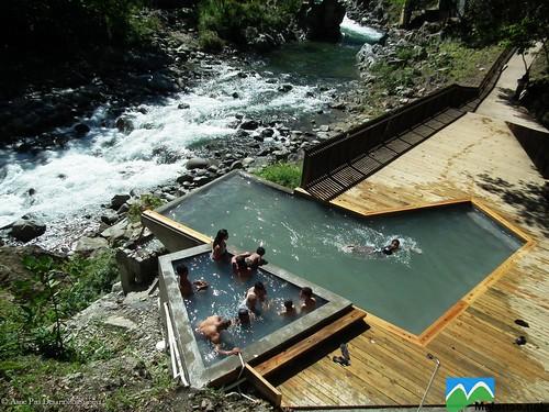 Piscinas para el disfrute de aguas t rmicas en aguas calie for Termas naturales cerca de madrid
