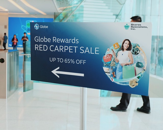 Globe Red Carpet Sale
