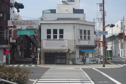 姫路市民会館前の交差点