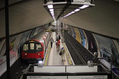 Clapham Common Underground Station ( 2 ) . December-2014 .