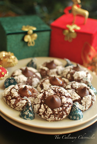Chocolate Crinkles with Dark Chocolate Mint Truffle Kisses | by The Culinary Chronicles