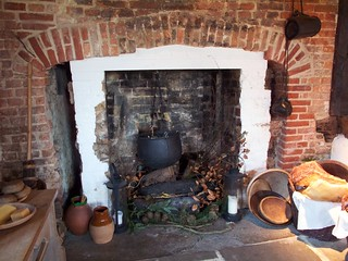 Tudor kitchen hearth, Queen Elizabeth's Hunting Lodge | by avail
