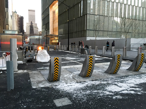 vesey street security checkpoint at one world trade center. Black Bedroom Furniture Sets. Home Design Ideas