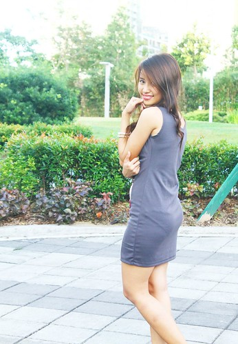 Bodycon Dress GRAY BACK 09 | by camilealdriene