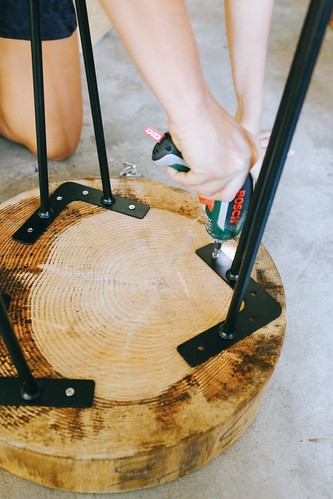 Diy Wood Slice Table 169 Geneva Vanderzeil A Pair Amp A