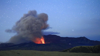 Mt. Aso eruption | by tomosang R32m