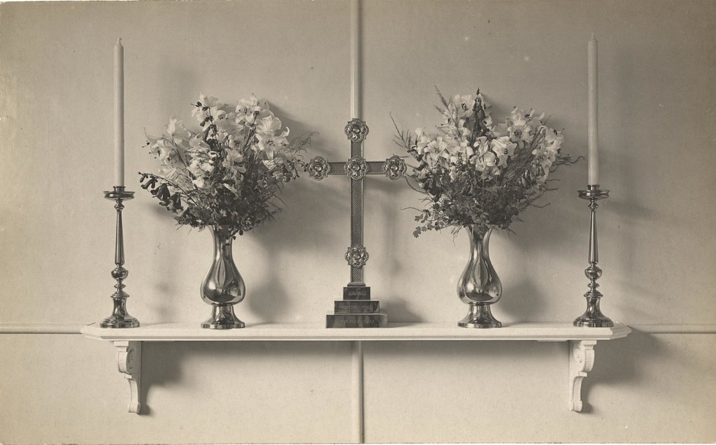 Mortuary Chapel Queen Alexandras Cross And Vases Prince Flickr
