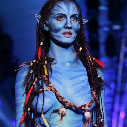2598 Celebrity Forum Avatars | Profile Photos - Avatar Abyss