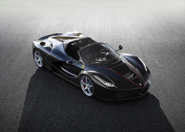 Супергибрид Ferrari LaFerrari Spider