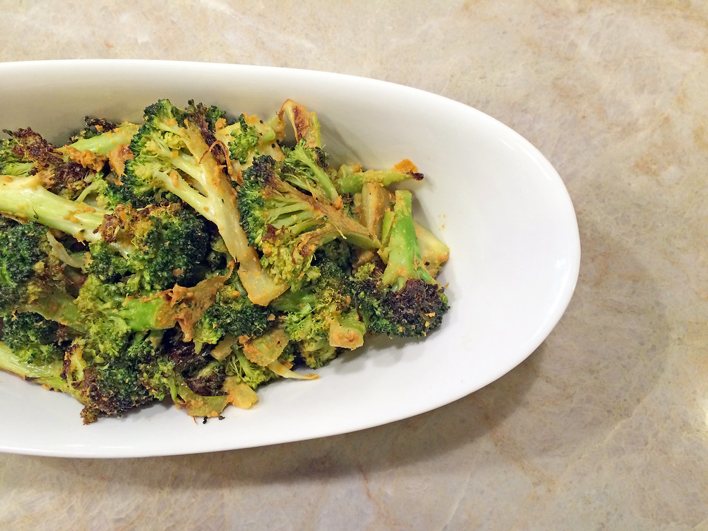 Roasted broccoli with nutritional yeast